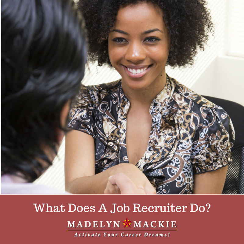 what does a job recruiter do